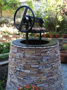 Barbecue pit as well-head or cairn -- by landscape architect Robert Sabbatini. Outdoor Kitchen Grill, Outdoor Barbeque, Barbecue Pit, Outdoor Oven, Outdoor Cooking, Outdoor Kitchens, Lawn And Garden, Home And Garden, Kitchen Sitting Areas