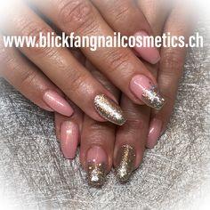 Glitzer Nägel Nude mit Glitzergloss Nails, Beauty, Finger Nails, Ongles, Beauty Illustration, Nail, Nail Manicure