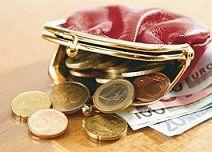 """CUIDADO CON EL CAMBIO. Evita tirar cambio/vuelto, sencillo  en tu bolso.  Caerá en la parte inferior de la cartera, y esto es una """"FALTA DE RESPETO AL DINERO""""   Trata de tener un monedero solo para poner monedas o sencillo."""
