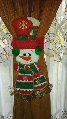 Haz lindos sujeta cortinas navideños con muñecos de fieltro