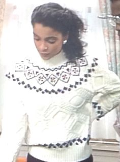 Whitley Gilberts cabled sweater on A Different World.