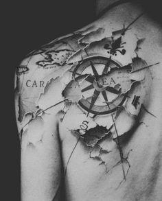 Schulter Tattoo Karte mit Kompass                                                                                                                                                      Mehr