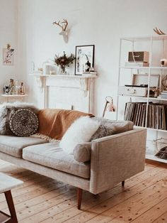 Fascinating Small Living Room Designs For Your Inspiration Painting ideas for walls Living room decor on a budget Home decor ideas Library room Family room ideas Decorating ideas for the home Friendly - April 21 2019 at Small Living Room Design, Family Room Design, Home Living Room, Apartment Living, Living Room Designs, Living Room Decor, Living Spaces, Apartment Layout, Scandi Living Room