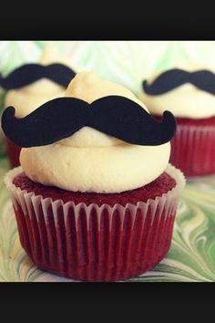 Mustashe cupcakes!!!!