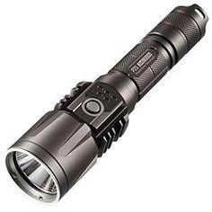 Nitecore - P25 Smilodon (960 Lumens) noir/black  #outpost #nitecore #battery #rcr123a #smilodon #p25 #light #960lumens #flashlight #lampe #led #lumens