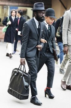 billy-george: Art Comes First Photo by Tommy Ton Nick Wooster, Tommy Ton, Stylish Couple, Stylish Men, Sharp Dressed Man, Well Dressed Men, Mens Fashion Blog, London Fashion, Style Fashion