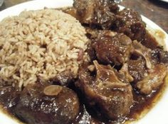 Yummy oxtails my whole family loves this dish i can remember growing up in the country and having oxtails on saturday evenings for dinner oh how i miss those days! The post Yummy oxtails & like places to go appeared first on Oxtail recipes . Oxtail Recipes Crockpot, Beef Recipes, Cooking Recipes, Recipies, Savoury Recipes, Curry Recipes, Fun Recipes, Vegan Recipes, Jamaican Dishes