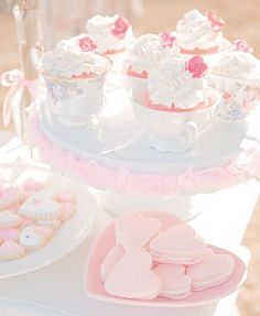 Aesthetic Food, Pink Aesthetic, Dessert Kawaii, Pink Foods, Milk Shakes, Pink Themes, Cute Desserts, Cafe Food, Everything Pink