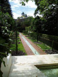 The Mughal Garden at Doris Duke's Shangri La in Honolulu -inspired by the Shalimar Garden in Lahore, Pakistan.