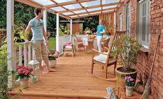 Günstige Terrassenüberdachung selbst bauen. Mit einer Überdachung ist Ihre Terrasse geschützt: So bauen Sie das Terrassendach.