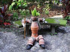 Výsledek obrázku pro figury do zahrady a vtipné zahradní dekorace