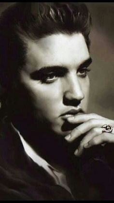 Elvis....deep in thought❤