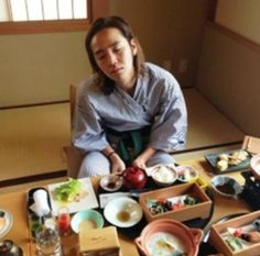 @AsiaPrince_JKS ตื่นเร็วๆได้เวลาทานข้าวแล้ว..อิอิ