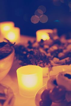 Tealights for a relaxing evening with friends. #philips #philipslight #philipsLED #philipslighting #LED #LEDlight #lightboard #relax #relaxed #mood #ambience #moodlighting #moodlight #light #lighting #setthemood #birthday #party
