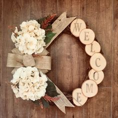 Terrific Photographs Fall Wreath hydrangea Tips The autumn period delivers along with it comfy effective colours, feathery plant life and a lot of r Fall Wreaths, Christmas Wreaths, Christmas Decorations, Christmas Ornaments, Mesh Wreaths, Rustic Wreaths, Wood Wreath, Diy Wreath, Wreath Ideas