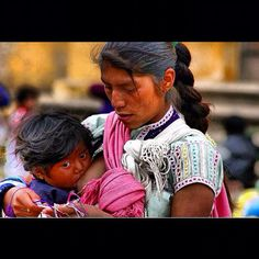 Madre y niña indigena de Oaxaca