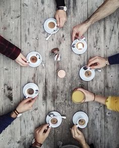 Coffee with friends. I love the sense of togetherness you get from this photo! But First Coffee, I Love Coffee, Coffee Break, My Coffee, Morning Coffee, Coffee Meeting, Monday Coffee, Coffee Cafe, Coffee Shop