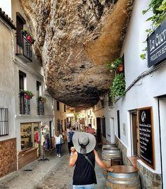 Les Plus Beaux Villages D'Espagne - Car Tutorial and Ideas Beautiful Places To Travel, Wonderful Places, Cool Places To Visit, Beautiful World, Places To Go, Cadiz, Bucket List Holidays, Beaux Villages, Beautiful Streets