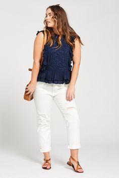 Throwback Straight Leg Jean in White Curvy Outfits 6f0b46332dd2c