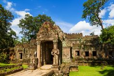Preah Khan is an emblematic sandstone temple on the Angkor Wat site. Siem Reap, Angkor Wat, Temples, Cambodia, Explore, Adventure, Mansions, House Styles, World