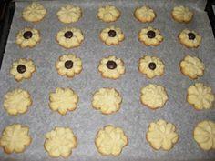 Bucataria casei noastre: Fursecuri cu unt Unt, Pain, Dog Food Recipes, Deserts, Sweets, Dog Recipes, Postres, Dessert, Plated Desserts