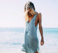 summer swing dress and loose hair styles