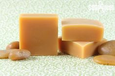 These shampoo bars are a biodegradable, packaging-free alternative to traditional liquid shampoos, and contain a mixture of several hair nourishing oils. Keep in mind -- the nature of soap is to clean, and these bars have a pH of around 7 (slightly less t Diy Shampoo, Homemade Shampoo, Shampoo Bar, Homemade Conditioner, Homemade Facials, Soap Making Recipes, Soap Recipes, Biodegradable Products, Biodegradable Packaging