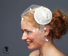 Brautschmuck Headpiece Hütchen Strange fruit ivory von Billies goes Jazzafine auf DaWanda.com