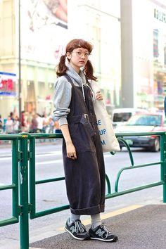MORE PICTS You can also see more ideas about new york street style 2018 , kendall jenner street style , new york street style , rihanna stre. Tokyo Street Fashion, Japanese Street Fashion, Japan Fashion, Look Fashion, Korean Fashion, Fashion Outfits, Japanese Fashion Trends, Overalls Fashion, Look Street Style