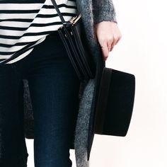 striped tee, grey cardigan, cross body bag, black hat & jeans #style #fashion #stripes