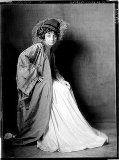 1911  by Madame d'Ora