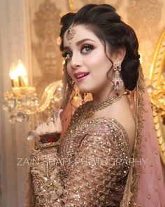 56 Ideas For Pakistani Bridal Makeup Walima Jewelry Pakistani Bridal Makeup, Pakistani Wedding Dresses, Bridal Lehenga, Desi Bride, Indian Dresses For Girls, Girls Dresses, Anarkali, Lehenga Saree, Sabyasachi