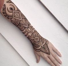 44 Ideas for tattoo simple men thoughts Henna Tattoo Hand, Mandala Tattoo, Henna Tattoo Designs, Henna Tattoos, Unique Mehndi Designs, Beautiful Henna Designs, Beautiful Tattoos, Music Tattoos, Body Art Tattoos