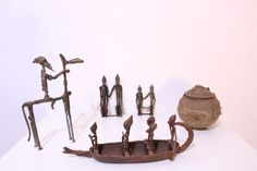 Online veilinghuis Catawiki: 2 Couples of ancestors, a Pot for magical ointments, a Horseman with his horse, a Crocodile pirogue - DOGON - Mali