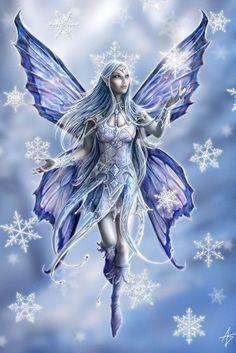 Ein Gruß aus dem Winterreich! Und über eine Postkarte freut man sich doch auch heute noch, oder? Diese Schneeelfe freut sich schon auf einen begeisterten Empfänger. #annestokes #fantasy