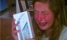 5 maneiras estúpidas de se obter um iPhone >> http://www.tediado.com.br/10/5-maneiras-estupidas-de-se-obter-um-iphone/