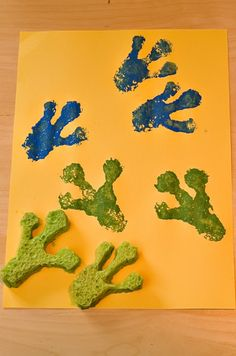 Footprints Make frog feet sponge prints with your child for a fun and educational crafts activity.Make frog feet sponge prints with your child for a fun and educational crafts activity.