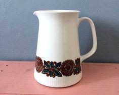 Figgjo Flint ASTRID water jug - Turi Gramstad Oliver - Doce Vika Vintage selected Scandinavian vintage by DoceVikaVintage