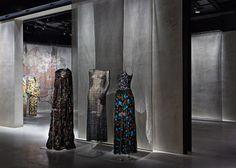 Giorgio Armani comemora 40 anos de atividade da sua empresa homônima. Para celebrar a data, o novo espaço Armani/Silos, dedicado totalmente à exposições de arte, será inaugurado na noite de hoje (30.04), na Via Bergognone. Confira todos os detalhes: