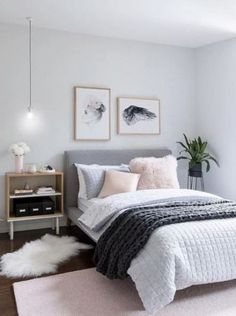 19 Trendy Bedroom Ideas For Couples Apartment Accent Walls Couple Bedroom, Small Room Bedroom, Bedroom Green, Bedroom Bed, Trendy Bedroom, Bedroom Colors, Room Decor Bedroom, Small Rooms, Design Bedroom