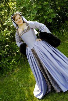 Anne Boleyn The Tudors dress gown Renaissance