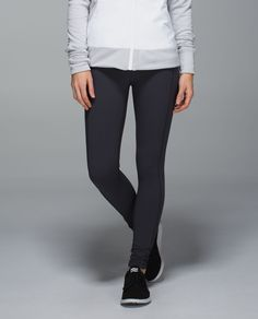 Like a Greatest Hits album, these run tights compile our favourite features from the past. Optional reflectivity in the cuff can be flipped up to help keep us visible, deep side pockets are easy to access mid-stride and our signature three-pocket waistband keeps our gels close at hand.  We sense a new