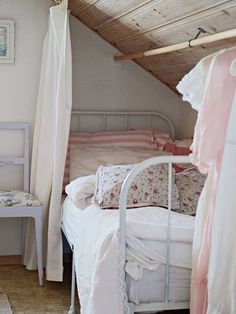 Graceful Victorian Attic Remodel Ideas 7 Insane Tips Can Change Your Life: Old Attic Bedroom attic loft modern.Attic Home Kids cottage att Beautiful Bedrooms, Small Spaces, Home Bedroom, Attic Bedroom Small, Home Decor, Bedroom Inspirations, Small Bedroom, Bedroom Decor, Cottage Bedroom