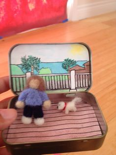 Needle felted Nanan and Pippa in Altoids box