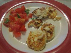 Ricotta frita con ensalada de tomate
