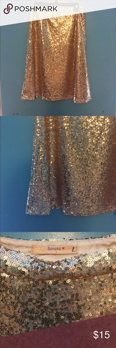 GOLD SEQUIN SKIRT Size L, would fit S/M better (size 6) Beautiful sequins, none missing. Great for bridesmaid skirt. Hits knee on 5-8. Like new. A line skirt. Not Zara, just listed for views. Zara Skirts A-Line or Full