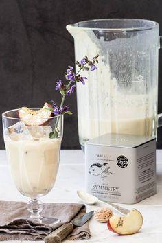 Ο σεφ Χριστόφορος Πέσκιας με τη Different ομάδα του Different & Different δημιούργησε υπέροχες συνταγές με τα βιολογικά αρωματικά φυτά της Anassa. Για σήμερα σας προτείνουμε ένα smoothie με Pure Symmetry. Υπέροχο και υγιεινό. ΥΛΙΚΑ 1. 240ml παγωμένο τσάι Pure Symmetry δυνατό 2. 400γρ ώριμα ροδάκινα κομμένα σε φέτες 3. 250γρ γιαούρτι στραγγιστό 4. 25γρ μέλι ανθέων Ελληνικό 5. 100γρ σπασμένο πάγο  ΕΚΤΕΛΕΣΗ...  https://www.facebook.com/AnassaOrganicsGlobal