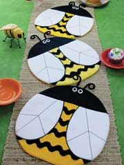 ~ Bee Happy Place Mat or Table Topper Pattern