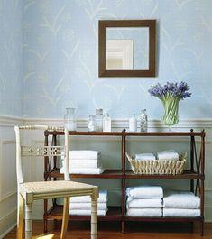 französischen-landhausstil-großartig-blassfarbige-wände-floral-elemente-badezimmer.jpg (500×563)