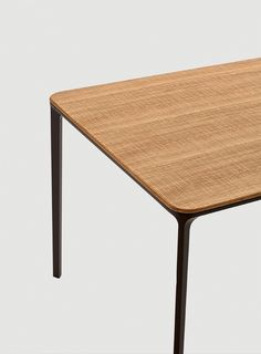 Slim wood, with saw cut oak top and moka lacquered structure